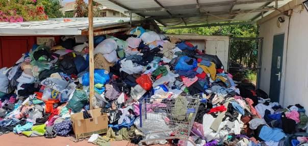 מהארון לרחוב ומשם למטמנה – פסולת טקסטיל בימי הקורונה