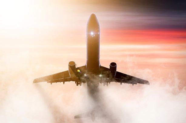 התיירות הבין-לאומית בעידן הפוסט-קורונה – המשמעות הסביבתית של צמצום התעופה והפלגות הנופש