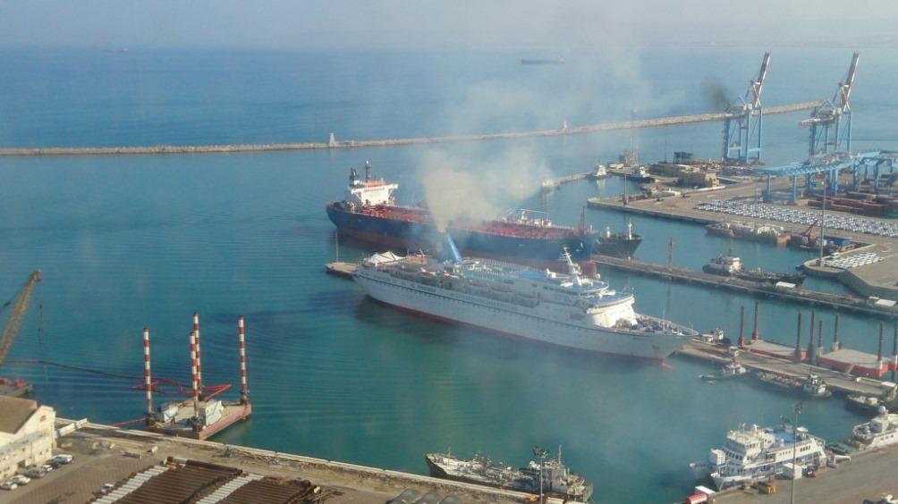 """נמל מסחרי """"ירוק"""" – תשתית ימית שמדברת עם הסביבה"""