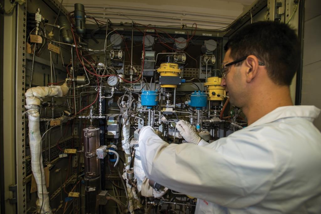 ייצור דלקים נוזליים וכימיקלים ירוקים מפחמן דו-חמצני ומים